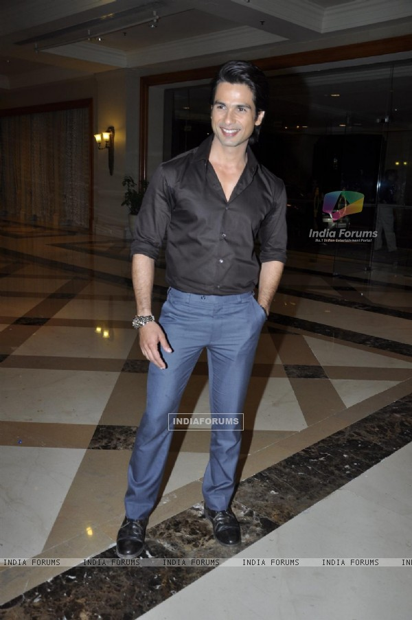 Shahid Kapoor at Music success party of film 'Mausam' at Hotel JW Marriott in Juhu, Mumbai (158139)