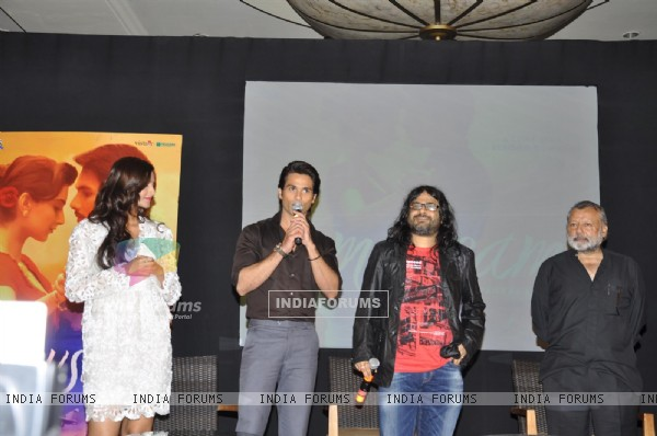 Pankaj, Shahid, Pritam and Sonam at Music success party of film 'Mausam' at Hotel JW Marriott in Juh