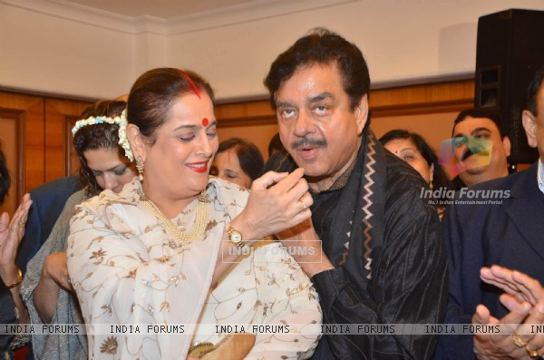 Shatrughan Sinha with wife at Ram Jethmalani's birthday, Ramada