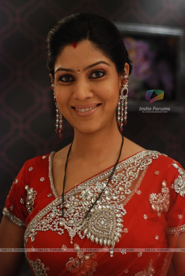 Saakshi Tanwar as Priya from Bade Acche Laggte Hai