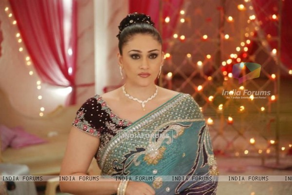 Eva Grover as Niharika in show Bade Acche Laggte Hai