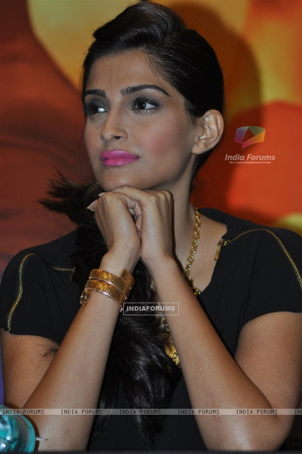 Sonam Kapoor at Press Conference of Film 'Mausam'
