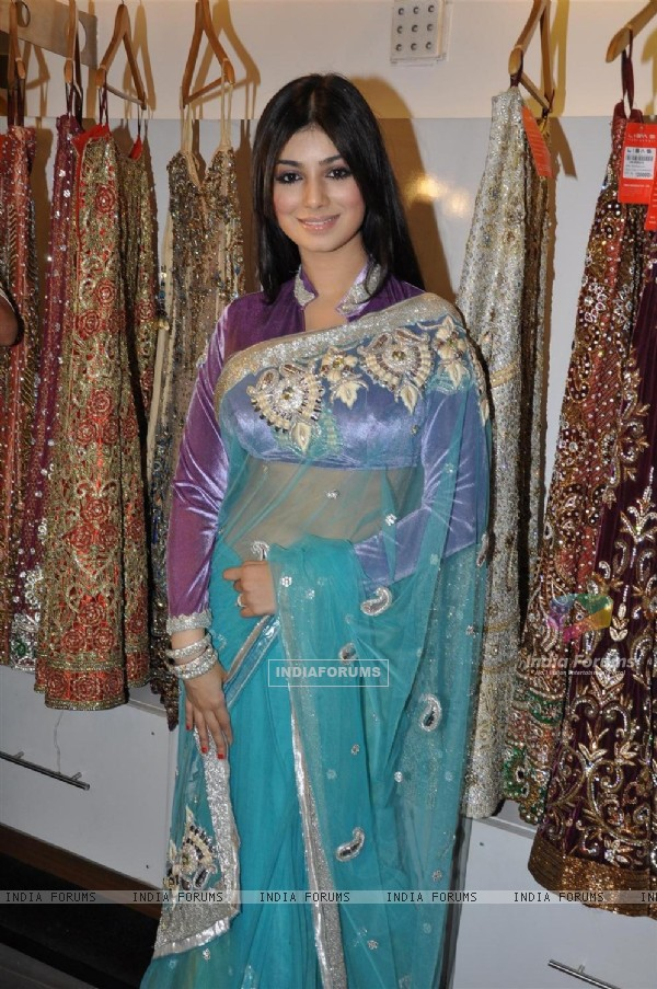 Ayesha Takia promote their film 'Mod' with unveiling clothes collection designer by Riyaz Gangji