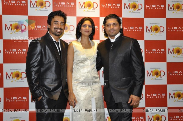Rannvijay Singh promote their film 'Mod' with unveiling clothes collection designer by Riyaz Gangji