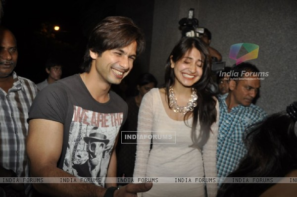 Shahid Kapoor and Anushka Sharma at 'Mere Brother Ki Dulhan' success bash