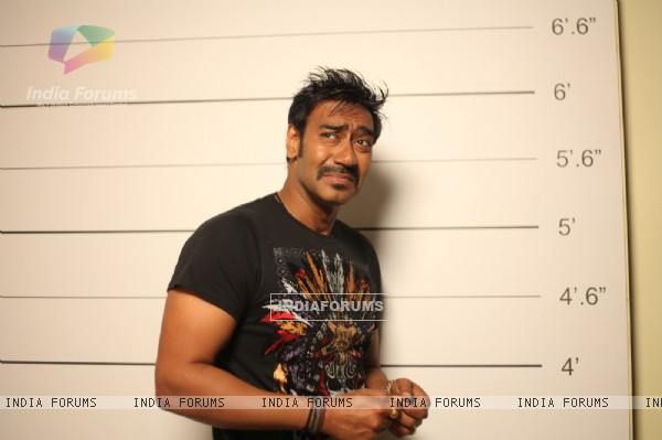 Ajay Devgn in the movie Rascals (159233)