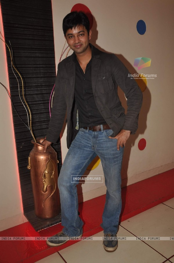 Anuj Thakur at 'Beend Banoongaa Ghodi Chadhunga' tvshow celebrate the completion of 100 episodes
