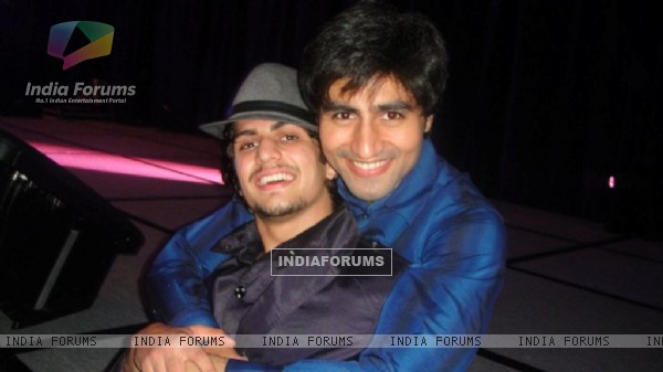 Harshad Chopra with Rajat Tokas at Star Pariwar Awards 2011