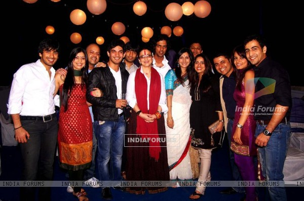 Arjun Bijlani and Mohit Sehgal with Miley Jab Hum Tum team