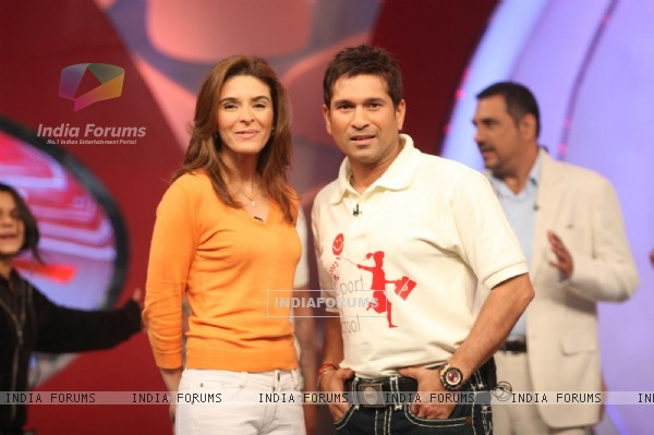 Sachin Tendulkar and Raageshwari at Coca-Cola India and NDTV 'SUPPORT MY SCHOOL' campaign event