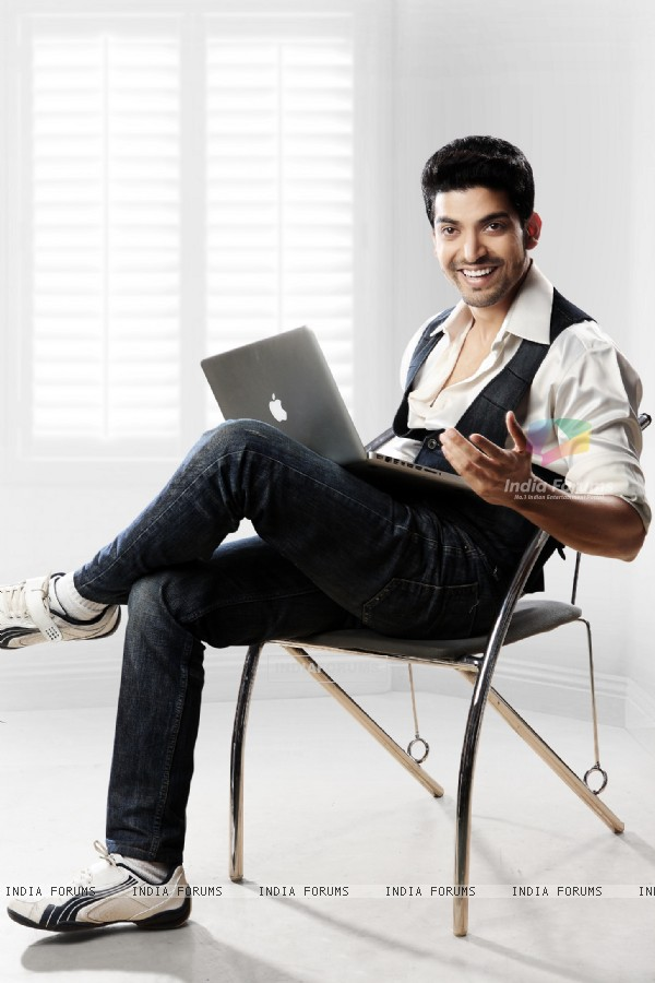 Gurmeet Choudhary PhotoShoot for Zing Magazine