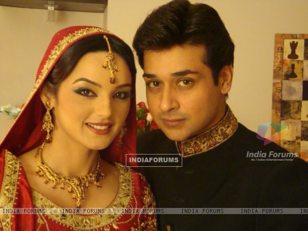 Sadia Khan and Faisal Qureshi in serial Variaan
