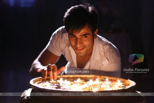 Karan Tacker as Shantanu in Rang Badalti Odhani