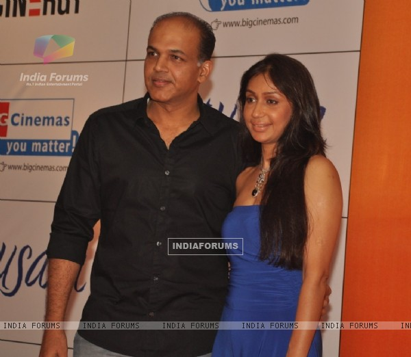 Ashutosh Gowariker with wife Sunita at Premiere of film 'Mausam' at Imax, Wadala in Mumbai (160548)