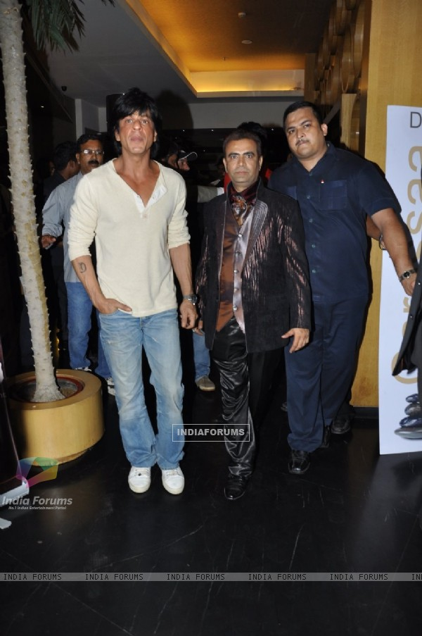 Shah Rukh Khan at Yogesh Lakhani's Birthday celebrations at Hotel Peninsula Grand in Saki Naka, Mumb