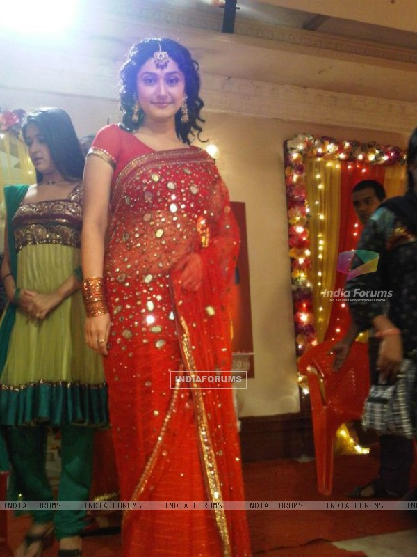 Ragini Khanna as Suhana in Sasural Genda Phool