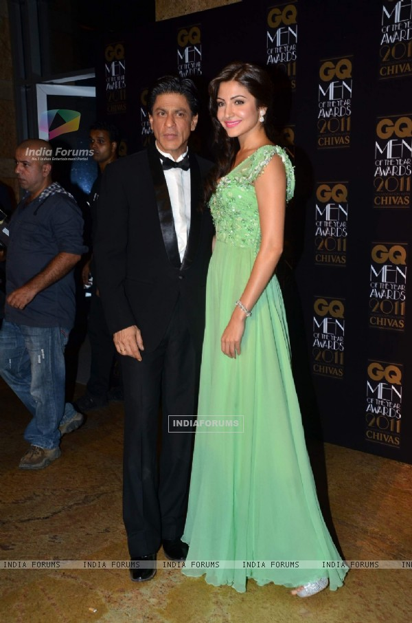 SRK with Anushka Sharma at GQ celebrates its 3rd anniversary in India with the Men of the Year Award