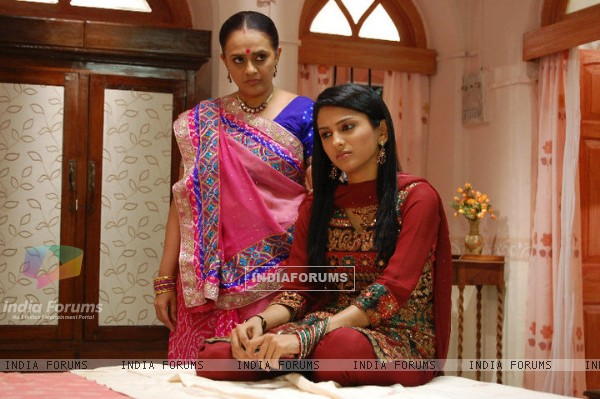 Rashi & her Mom Urmila in Saath Nibhana Sathiya