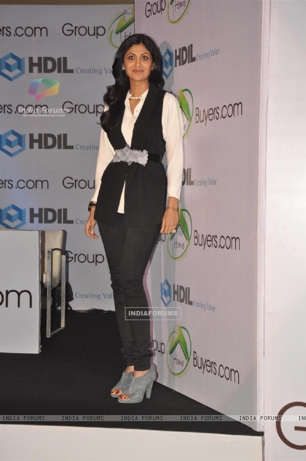 Shilpa Shetty during the launch of new website 'GroupHomeBuyers.Com' for home buyers at Hotel Novotel in Mumbai