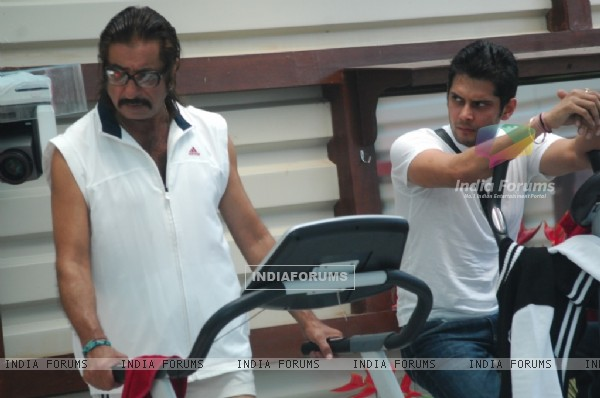 Amar Upadhyay staring Shakti Kapoor in the Bigg Boss house