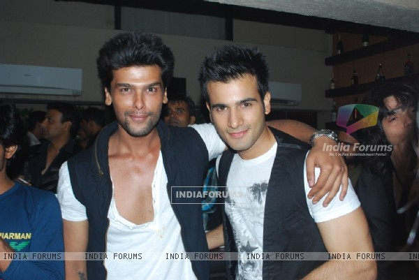 Brothers in arms Kushal Tandon and Karan Tacker at launch party of show Ek Hazaaron Mein Meri Behna