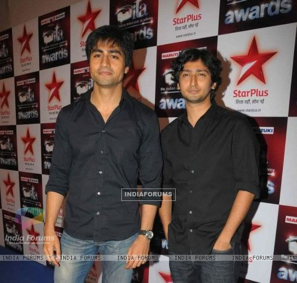 Harshad Chopra and Kunal Kapoor in ITA Awards 2011