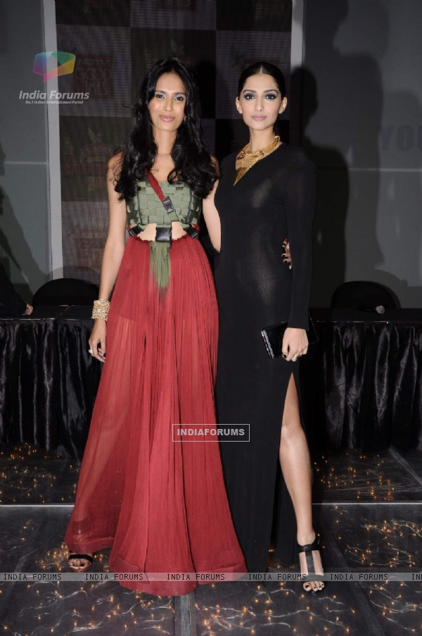 Sonam Kapoor & Model Ujjwala Raut at Kingfisher Modelhunt Flag-off event in Mehboob, Mumbai