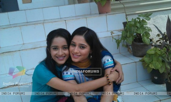 Soumya Seth and Vinita Joshi Thakkar in TV show Navya