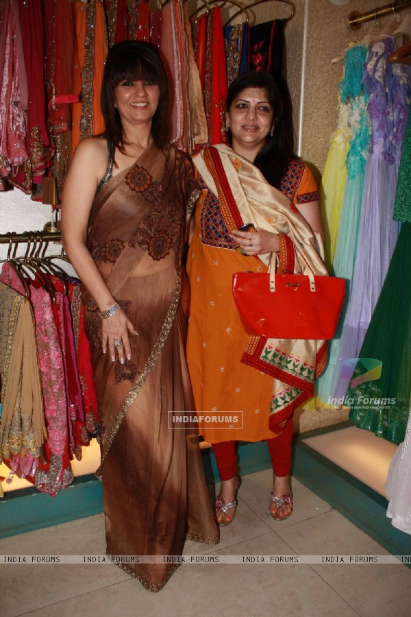 Guest with Neeta Lulla previews her latest collection in Khar