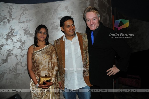 Mandeep Khurana with Sanjana and Gary Richardson at Grand launch of 'CAVE' in Mumbai a Sunken Bar