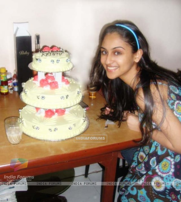 Krystle Dsouza celebrating birthday