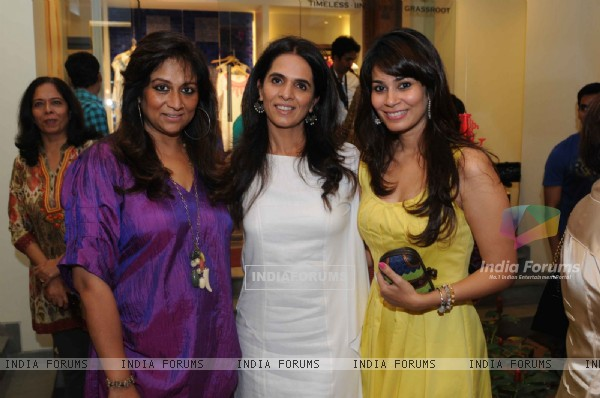 Anita with Sharmila Khanna and Shaheen Abbas at launched of Anita Dongre desert cafe - Schokolaade