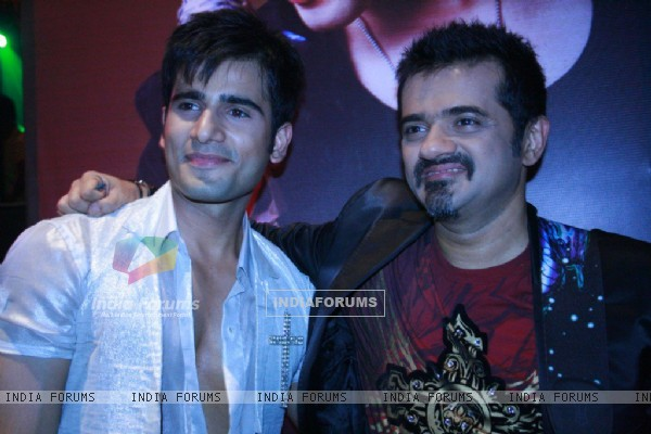 Karan Tacker with Ehsaan Noorani in Rang Badalti Odhani