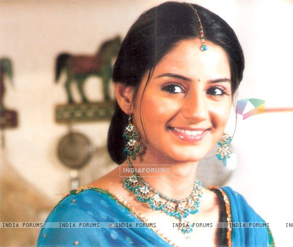 Tanvi Bhatia as Bela in Mitwa