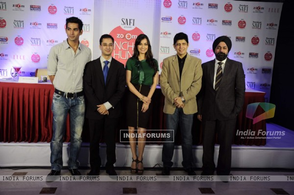 Dia Mirza launches Zoom Anchor Hunt 2011