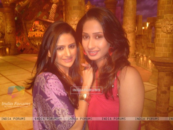 Parvati Sehgal and Priya Marathe on Comedy Circus