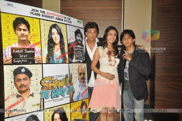 Shiamak Davar, Hrishita Bhatt and Shubh at Press meet of film 'Shakal Pe Mat Ja' in Novotel