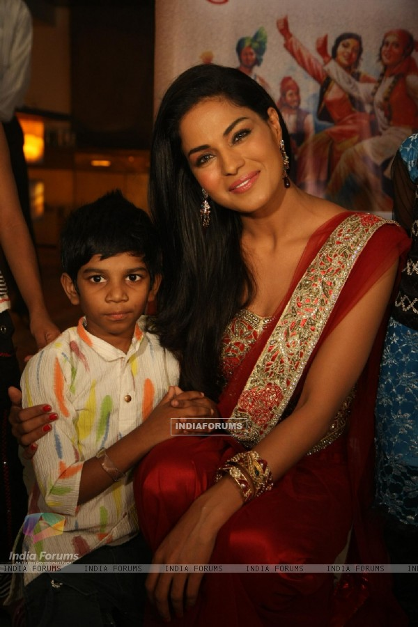 Veena Malik in a Diwali theme photo shoot with her newly adopted daughter Payal Kamble in Mumbai