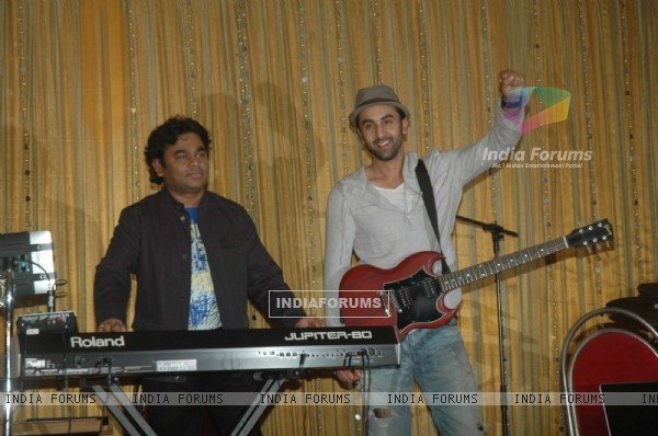 Ranbir Kapoor with A.R. Rahman for the film 'Rockstar' concert press meet at Santacruz in Mumbai (166614)
