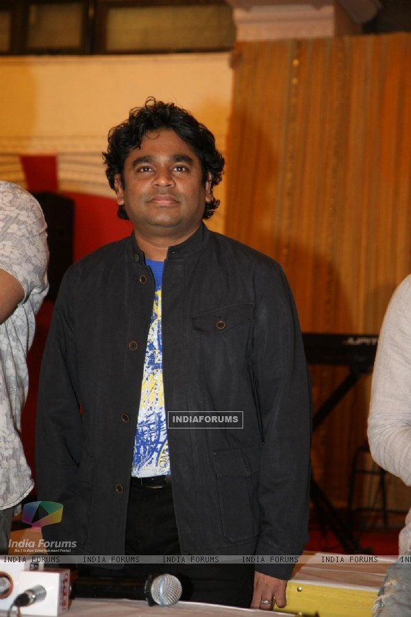 A.R. Rahman for the film 'Rockstar' concert press meet at Santacruz in Mumbai (166680)