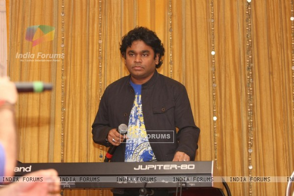 A.R. Rahman for the film 'Rockstar' concert press meet at Santacruz in Mumbai (166686)