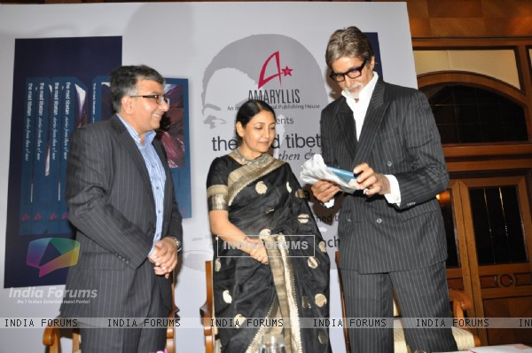 Amitabh Bachchan at the launch of Deepti Naval's book in Taj Land's End, Mumbai