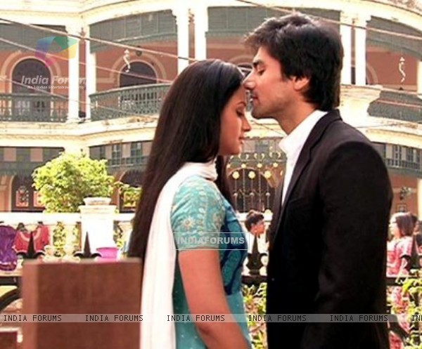 Still image of Anurag and Taani from Tere Liya