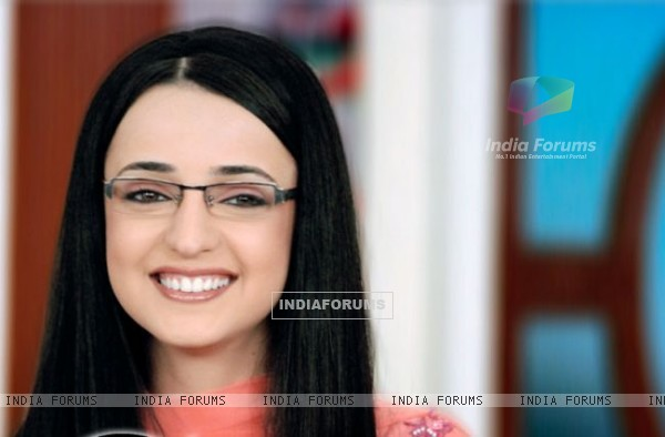 Sanaya Irani as Gunjan Bhushan in Miley Jab Hum Tum