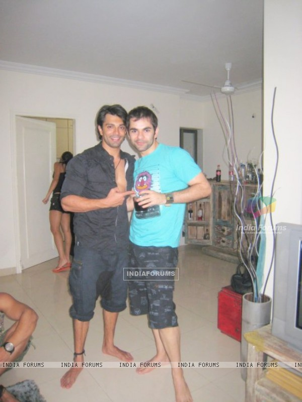 Karan Singh Grover with his brother Ishmeet