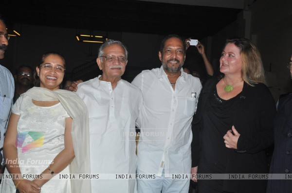 Nana Patekar, Lyricist Gulzar, Calligrapher Achyut Palav & Katharina Peper Calligrapher from Germany at Calligraphic Painting Exhibition 'Silver Calligraphy' in Mumbai