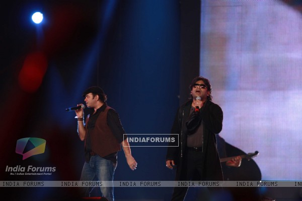 A.R. Rahman and Mohit Chauhan rock at 'Rockstar' live concert at Bhavans Ground (167236)