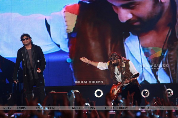 Ranbir Kapoor and A R Rahman rock at 'Rockstar' live concert at Bhavans Ground (167239)