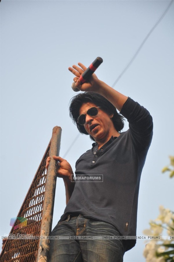 Shah Rukh Khan greets fans on his 46th birthday in Mumbai