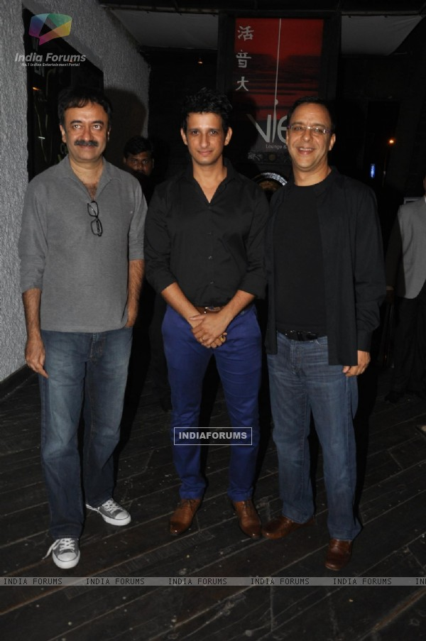 Sharman Joshi, Vidhu Vinod Chopra and Rajkumar Hirani grace the Mumbai London Advertising Forum 2011